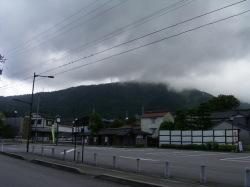 瑞泉寺参道入り口の公営パーキング