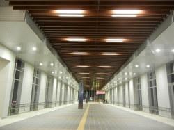 高岡駅の南北自由通路の完成