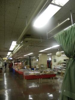 駅ビル2階の特設売り場