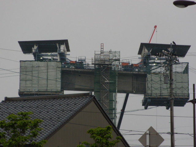 新湊大橋高架道路の取り付け/射水市堀岡地区
