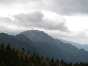 ロープウエイ西穂高口駅舎屋上展望台から手前中央焼岳後ろは乗鞍岳